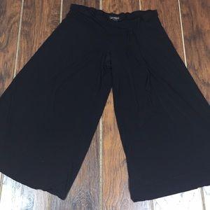 Lane Bryant Wide Leg Black Capri Stretch Pants